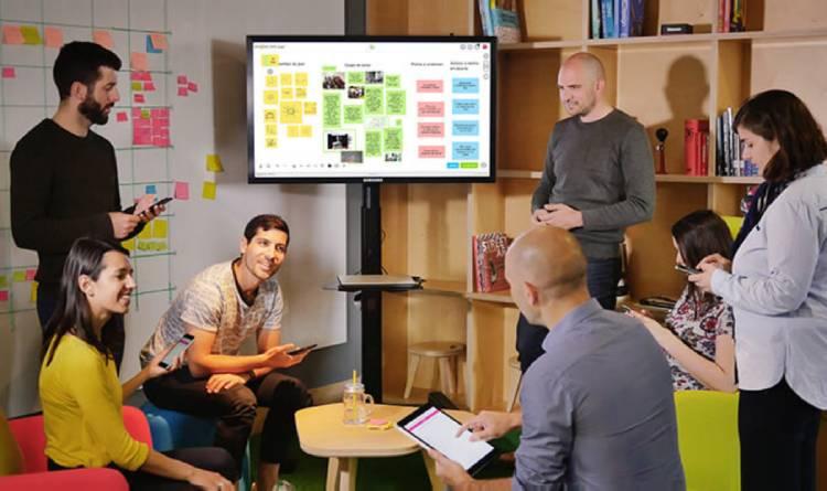 Klaxoon-team-brainstorming